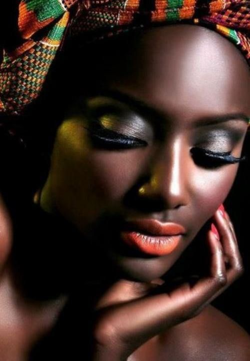 Mulher negra africana A mais obra-prima   – Menschen