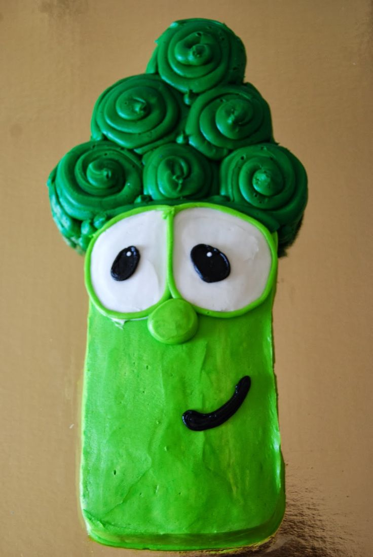 Jr. Asparagus Cake (Veggie Tales). Square cake body, cupcakes for the top