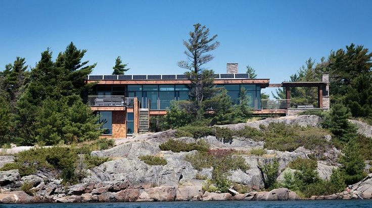 Quand un architecte crée sa propre résidence secondaire en bois au Canada, Cottage Country par Core Architects - Baie géorgienne, Canada #construiretendance