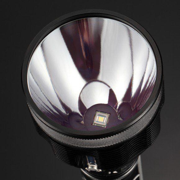 Como escoger una linterna LED profesional adecuada para ti. - http://www.elmundocurioso.es/2017/08/escoger-linterna-led-profesional.html