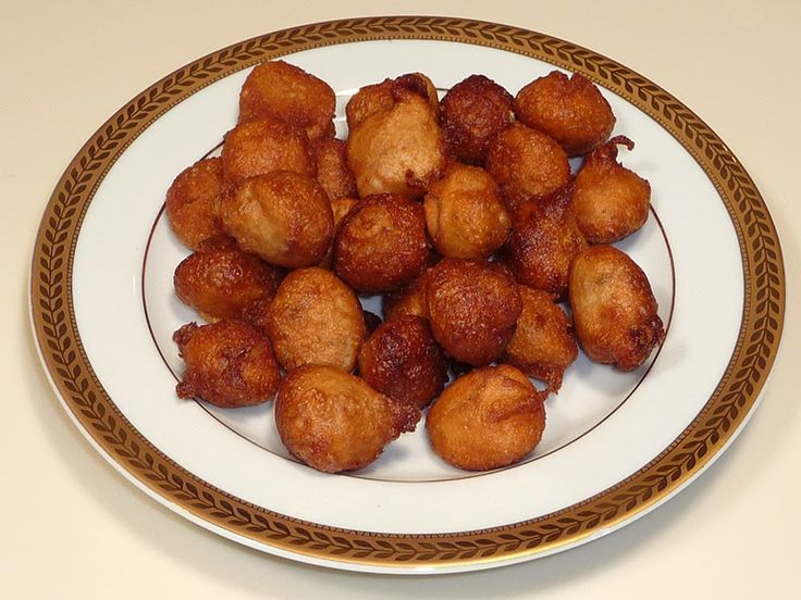 Gulgulas are like lightly sweetened mini donuts. In India these are made for special occasions.