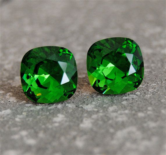 Bright Kelly Green Earrings Swarovski Crystal Bright by MASHUGANA