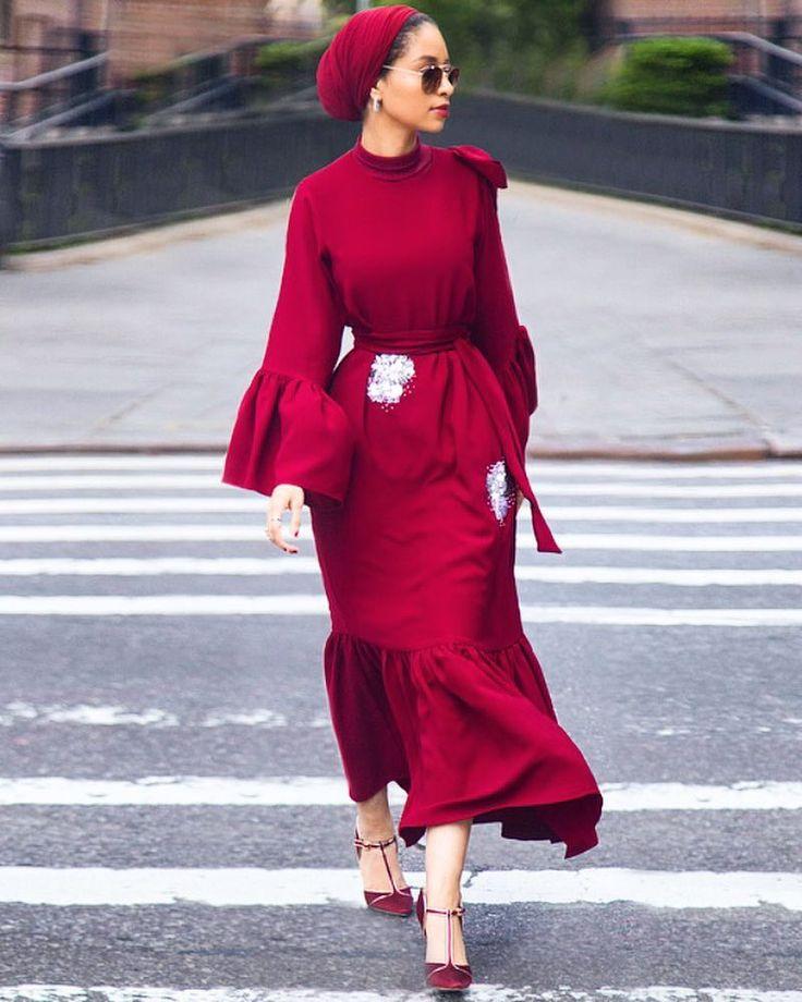 11.5K vind-ik-leuks, 132 reacties - Saufeeya Goodson (@feeeeya) op Instagram: 'red red red  #dress @anatomiofficial #heels @ounass #sunnies @grand.optics #photoby…'
