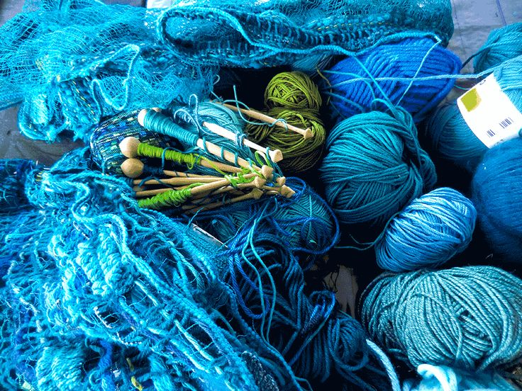 collection of wool forthe production von loop scarfes and shawls (with ready made loops)