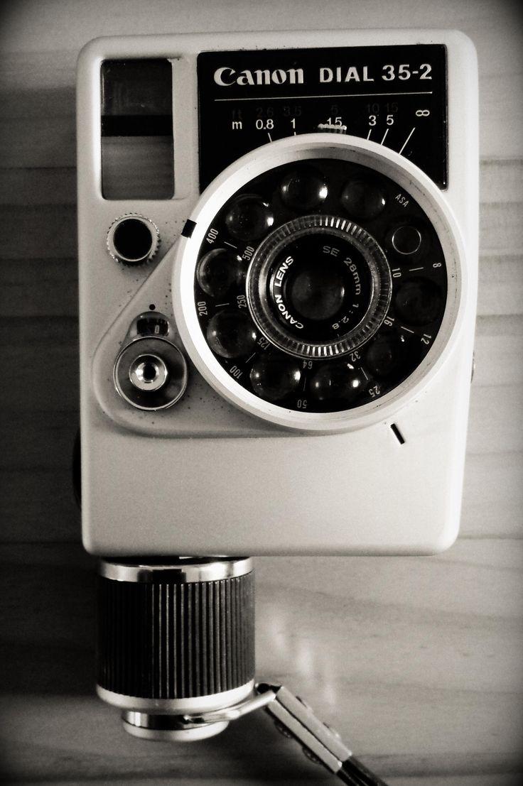 Et pourquoi #canon à choisi ce nom? tout simplement car le mot #dial en anglais fait référence au cadran, disque et poignée...tout à fait dans le style! www.stephanemoreau.fr