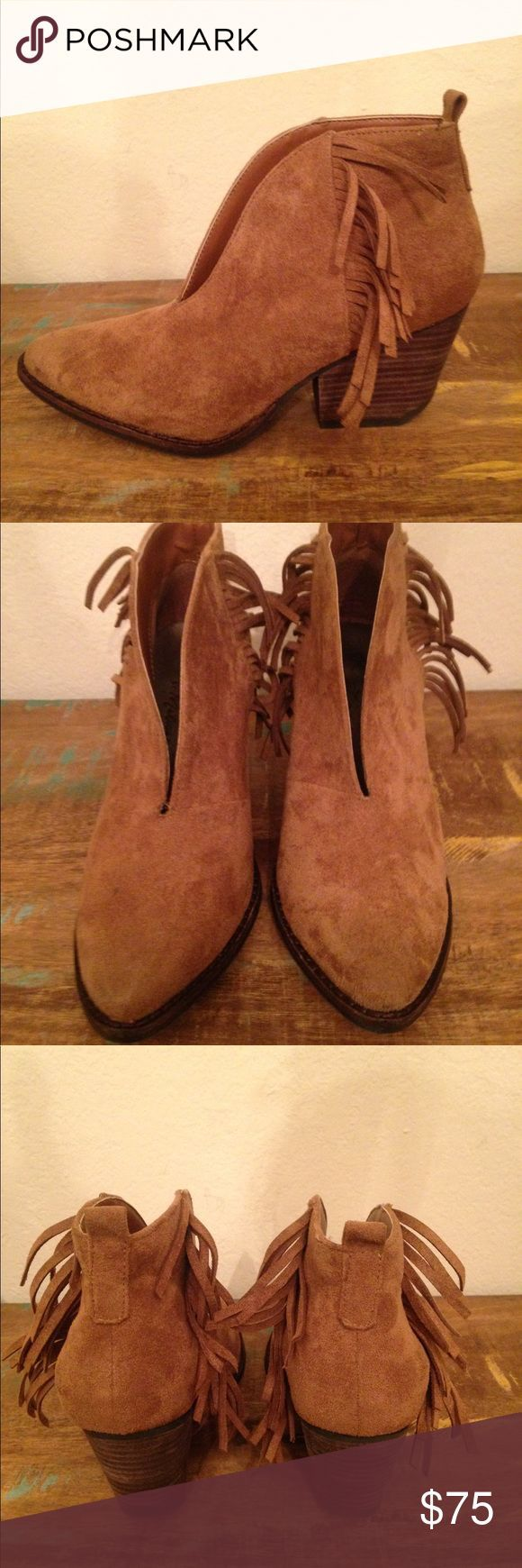 """GREAT COND BROWN FRINGE BOOTIE COCONUT MATISSE 7 GREAT CONDITION CHESTNUT BROWN FRINGE SIDED BOOTIE with a """"V"""" split in the front which is super cute"""