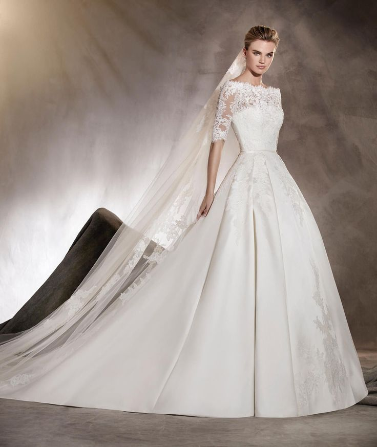 Albasari - Wedding dress in mikado, with an off-the-shoulder neckline and lace