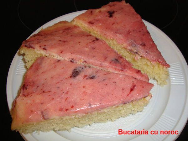 Bucataria cu noroc -Tarta insiropata cu glazura de ciocolata alba