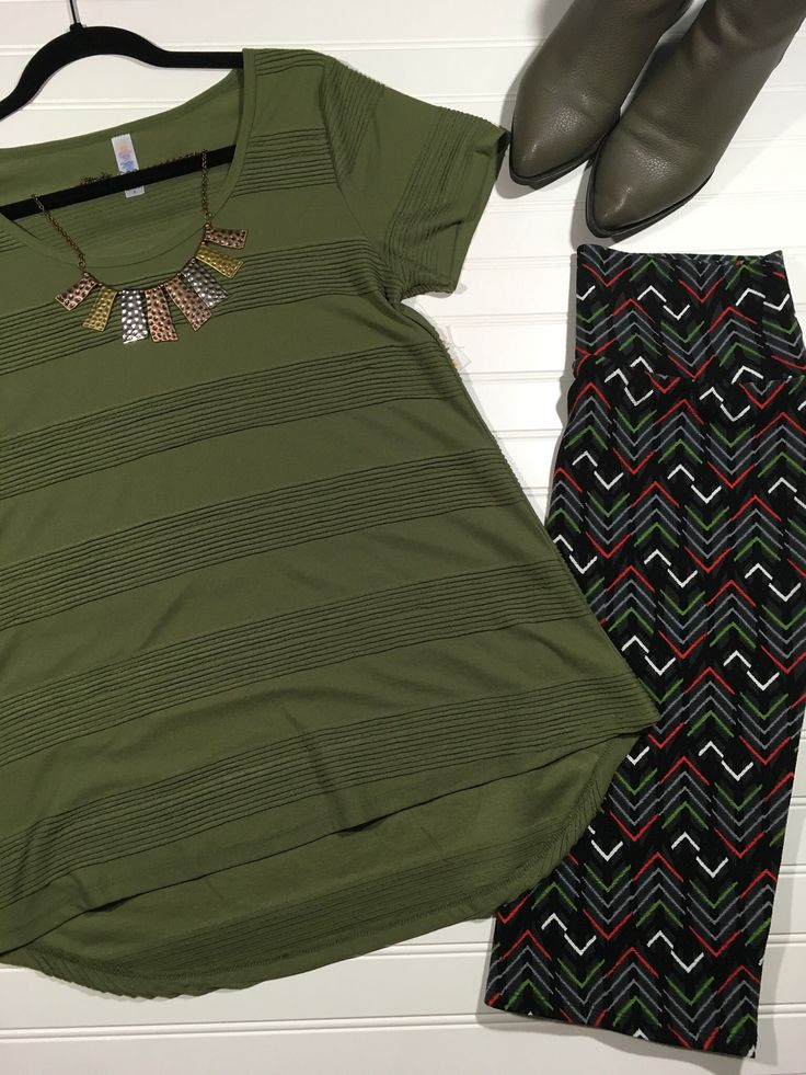 LuLaRoe Classic T and Cassie Outfit. Shop with me at www.ShopWithEricaC.com   follow me on IG @lularoeericacardoso