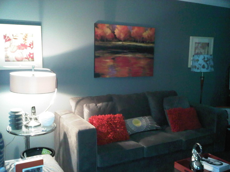 My New Living Room Goes Well With Old Paint Colour