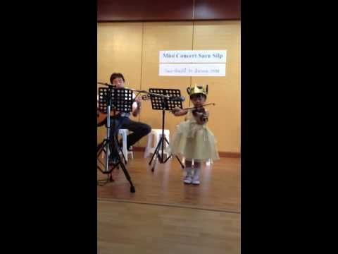 twinkle little star […] violin: Thai girl; twinkle twinkle little star on kid violin size 1/16—See more of this young violinist #from_nonlub