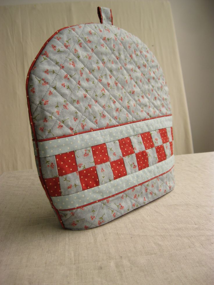 tea pot cozy made by Maria Emilia P. in Dotquilts classes