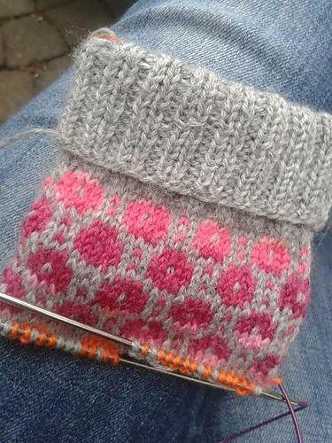 Ravelry: Project Gallery für Tiit Socken Muster von Nancy Bush  #gallery #knitt… – LoveOfTextiles Handarbeit Deko
