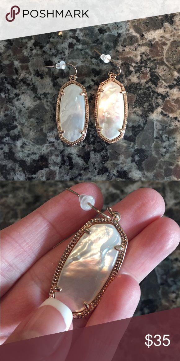 KENDRA SCOTT ELLE EARRINGS White in color with some detailing. Rose gold border. Kendra Scott Jewelry Earrings