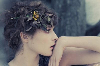 Pretty Girl: Messy Hair, Spring Hair, Girls Models, Beautiful, Inspiration Pictures, Flowers Hair, Fresh Flowers, Dry Flowers, Girls Hair