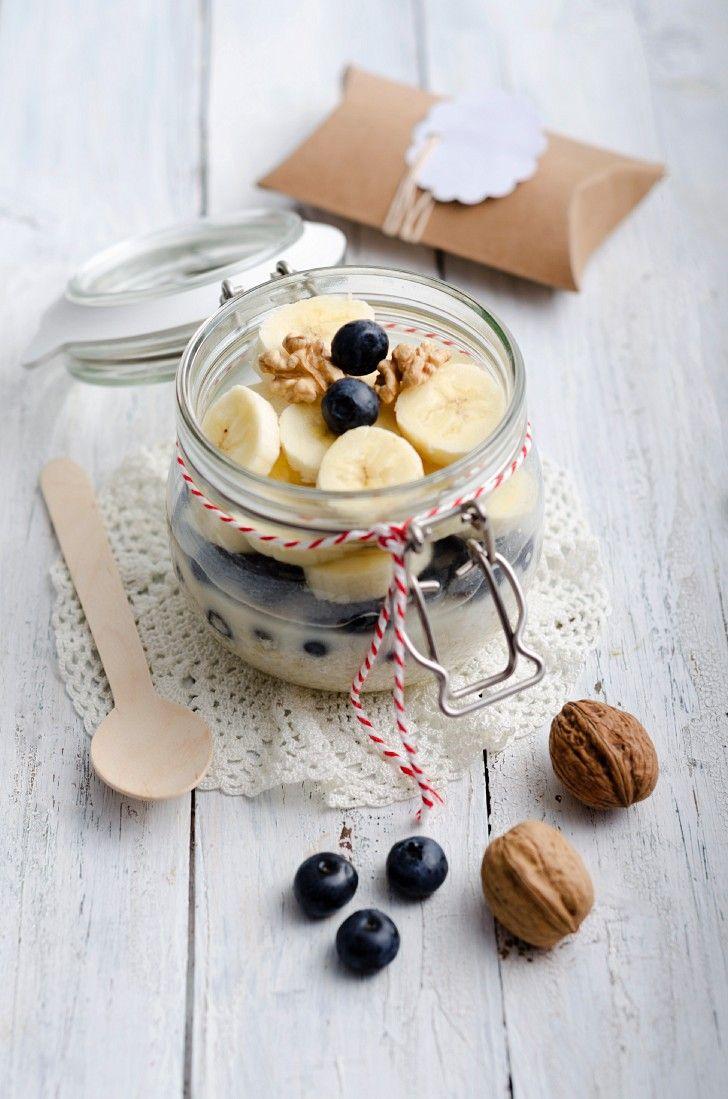 Haferflocken mit Milch und Obst | http://eatsmarter.de/rezepte/haferflocken-mit-milch-und-obst