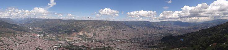 Medellín Parapente tour Medellín es realizado por la agencia de viajes y turismo Typology Travel Agency en alianza con Dragon Fly. Es un tour que combina la ciencia, la destreza deportiva y la cultura para el pleno disfrute del viajero amante de la naturaleza y de los cielos.