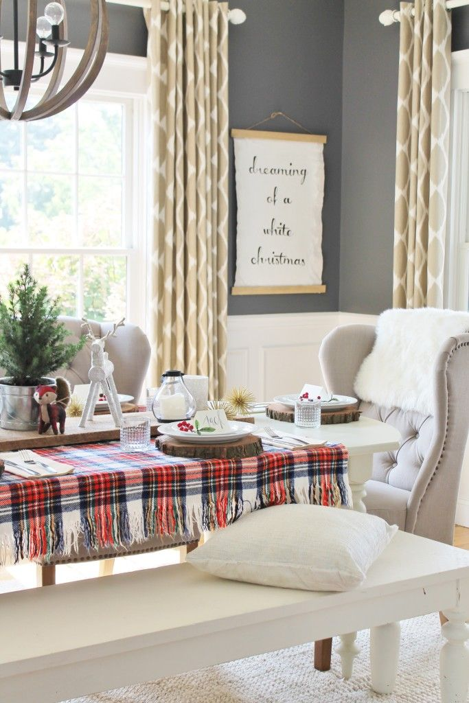 Best 25 Christmas Dining Rooms Ideas On Pinterest  Christmas Amazing Christmas Dining Room Decorating Inspiration