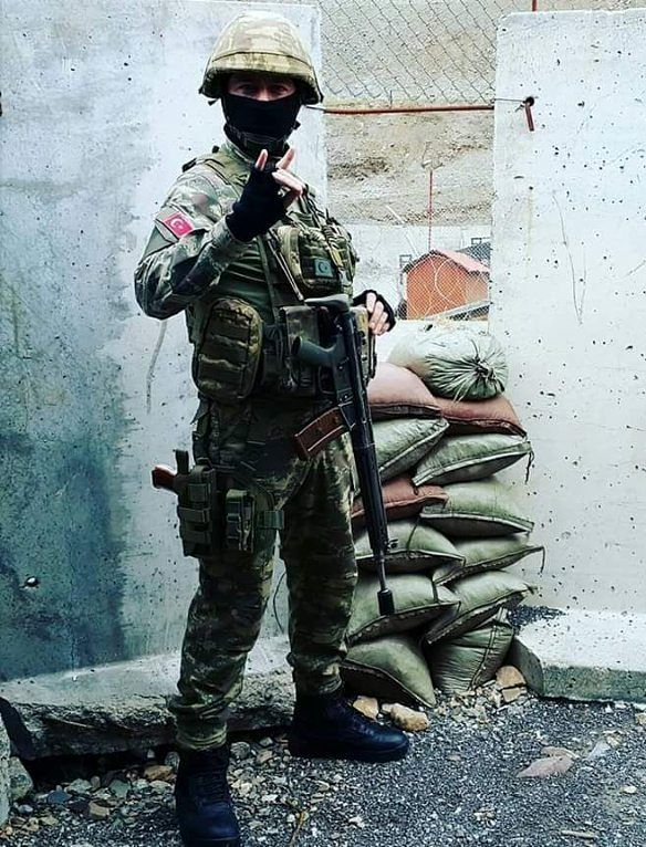 Turkish Gendarmarie SOF operator during operations against PKK.