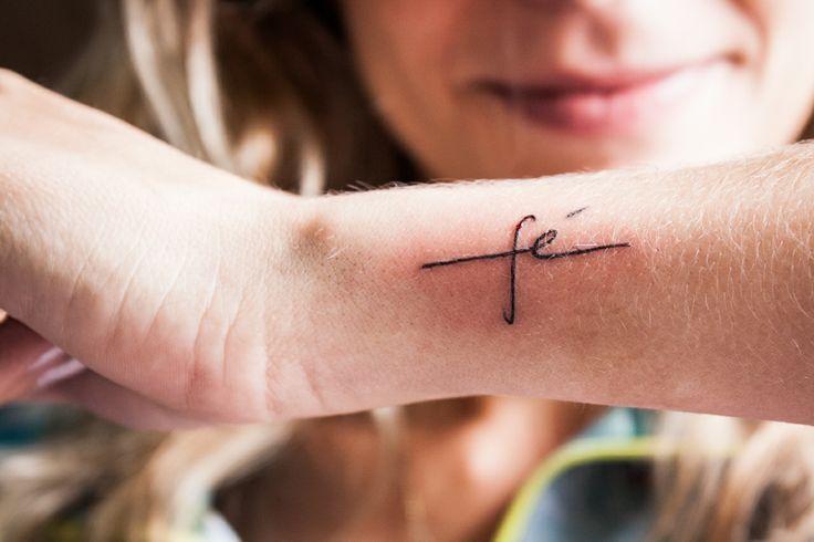 80 ideias de tatuagens pequenas para quem está pensando em fazer a primeira…