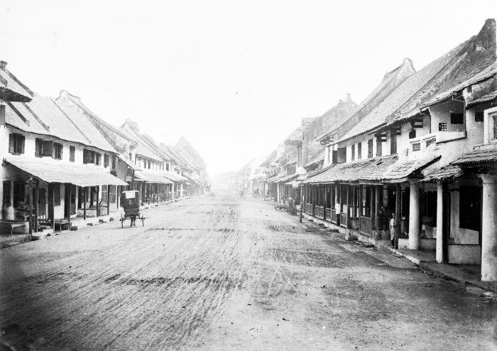 COLLECTIE TROPENMUSEUM Een straat in Batavia TMnr 60022029 - Kota Tua Jakarta…