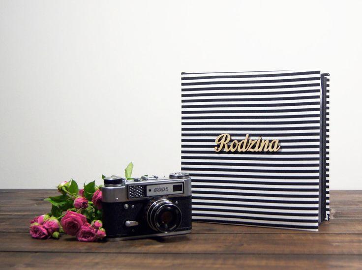 Album Rodzina w paseczki 30 cz str 24x24 - Plans-And-Memories - Albumy na zdjęcia wklejane