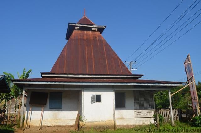 Usia Masjid Ini Sudah Hampir Dua Abad!