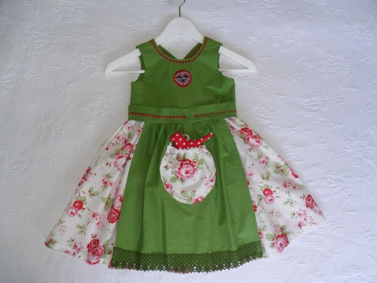 Baby+Dirndl+Rosengarten+Gr.+68-104+von+MuMus+Zauberwerkstatt+auf+DaWanda.com