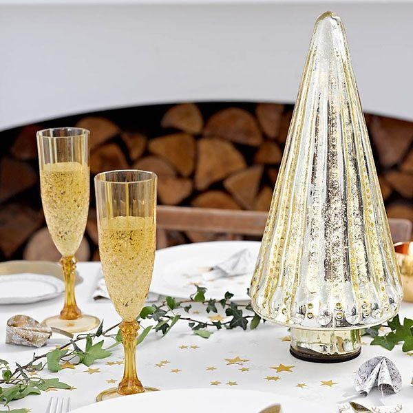 Goldenes Sektglas im Vintagestil zur Hochzeit - ein echter Hingucker für die Hochzeitsgäste