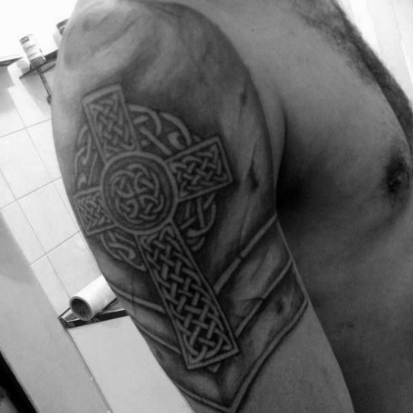 Scottish Tattoo Ideas Half Sleeve: Best 25+ Celtic Cross Tattoos Ideas On Pinterest