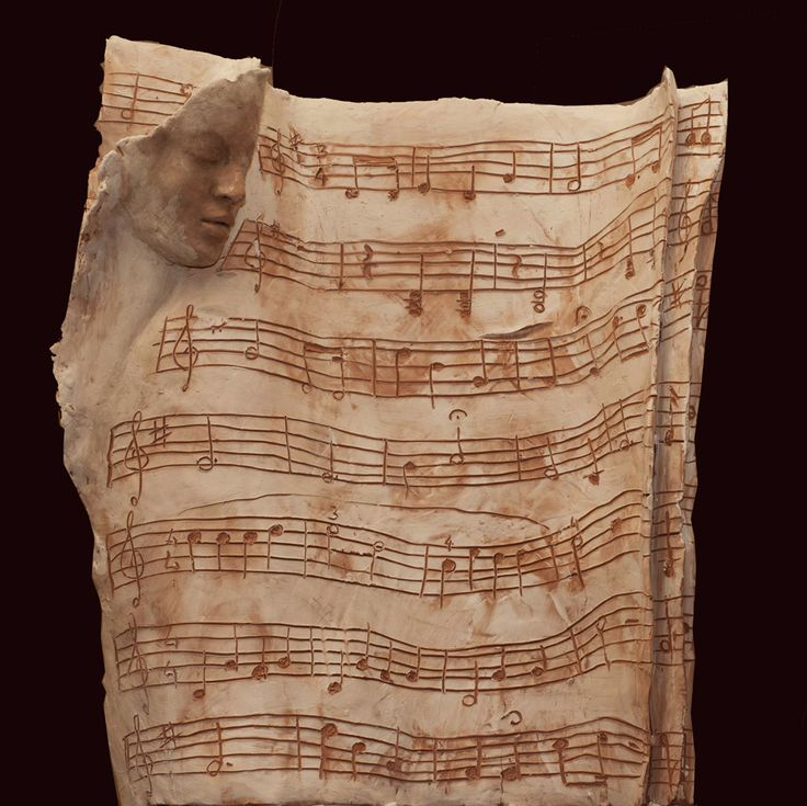carta da musica - scultura in terracotta con engobbio e patine, 2014
