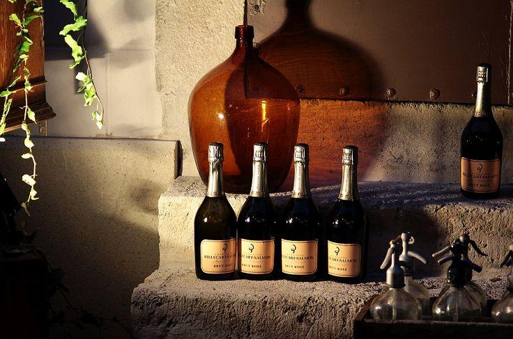 Pest-Buda http://www.pestbudabistro.hu/ | Champagne #budapest #restaurant #pestbuda #restaurantdesign #champagne #billecartsalmon