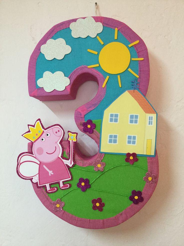Fairy Peppa Pig piñata. Peppa Pig pinata. Peppa Pig birthday Party. Peppa Pig decoration. Peppa Pig.