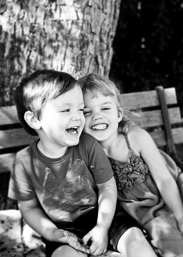 adorable sibling photos