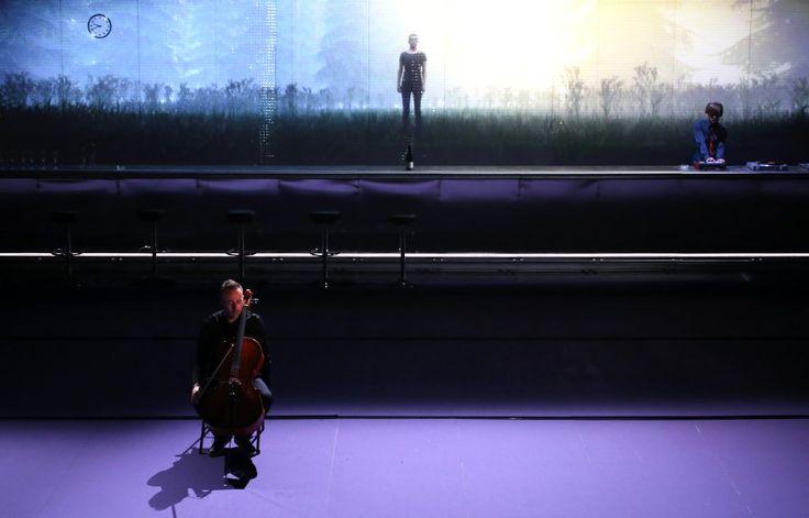 """""""Die Franzosen"""" in der Inszenierung von Krzysztof Warlikowski spielt in einem..."""