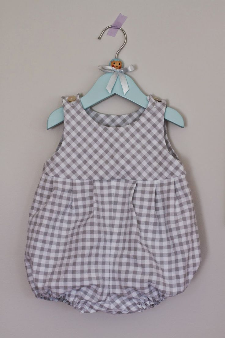 Saídos da Concha: Summer Romper made from a 1984 Style pattern.