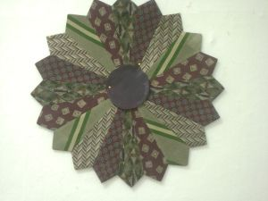 Easy-to-follow instructions for a necktie / tie quilt made like a Dresden Plate.