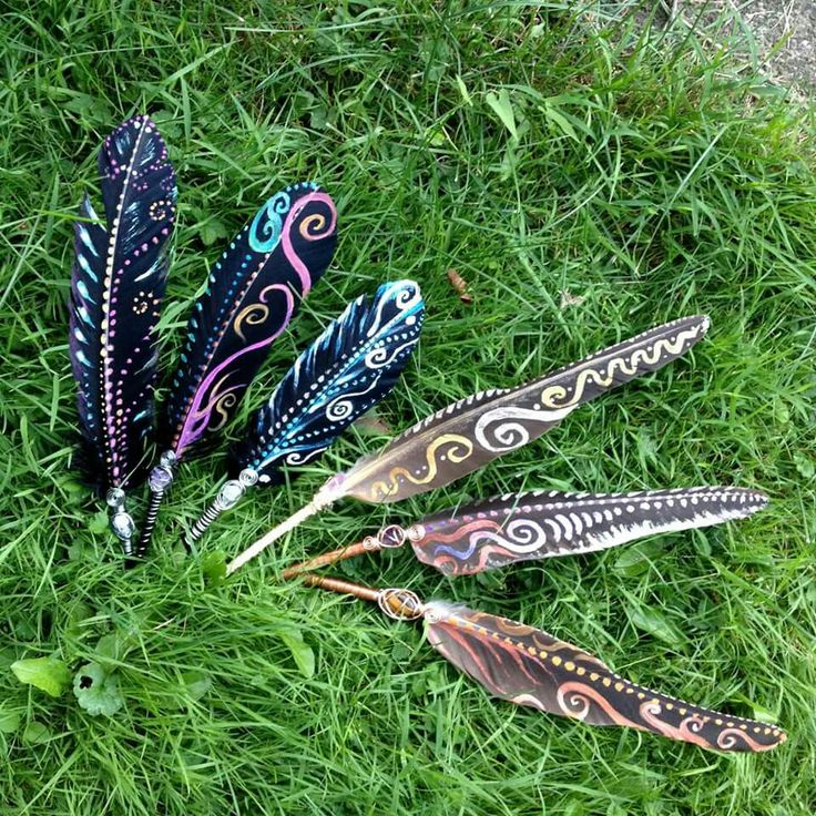 Painted and wire-wrapped smudge feathers--I wanna see the bird these fell off of!