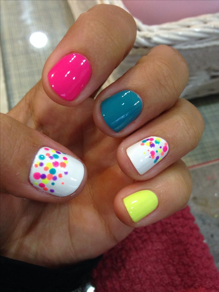 Color run nails! Done with bobby pin! :)                                                                                                                                                      More