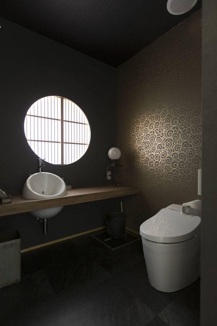 SWAY DESIGN の オリジナルな商業空間 実家リノベ 築37年の空き家を事務所兼ショールームに