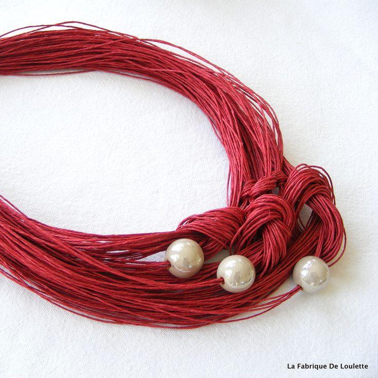 Collier lin rouge marsala,collier chunky lin et céramique,collier textile,collier multi-rang lin,collier rouge été,collier plastron rouge de la boutique LaFabriqueDeLoulette sur Etsy
