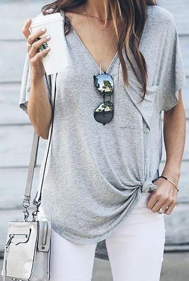 Simple white pants and grey tee with some accessories - LadyStyle