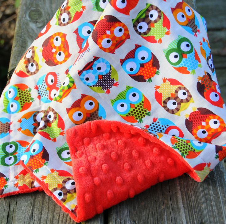 Owl Baby Quilt, Travel Blanket w/ Bubble Dot Minky: Love this one, but need a way to make it more girly