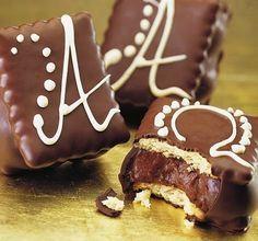 Πεντανόστιμα παστάκια σοκολάτας με μπισκοτα πτι-μπερ! Σοκολατένια παινδεσία γεύσεων !DAddycool