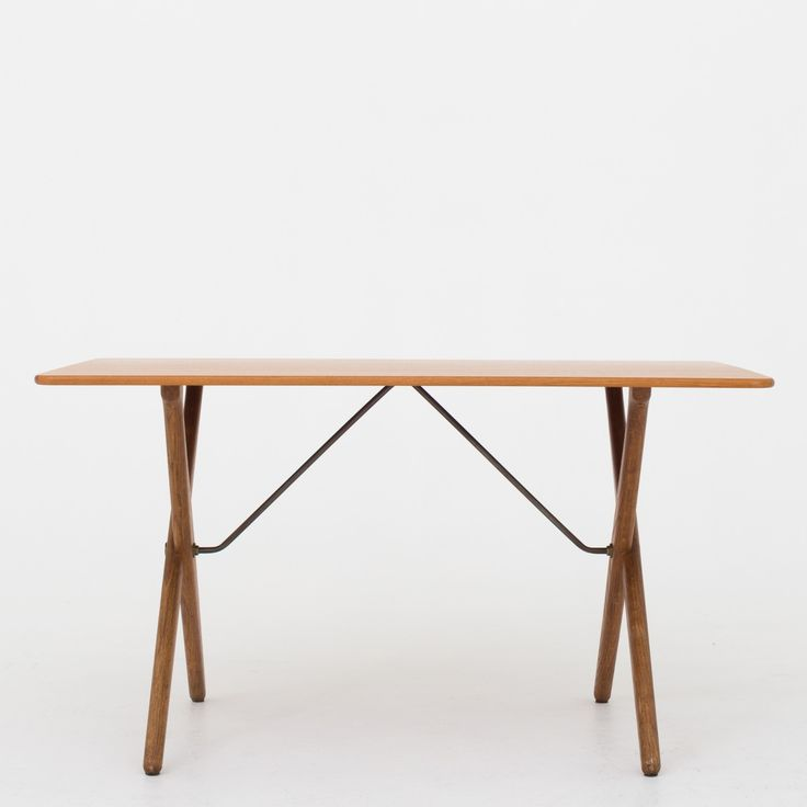 AT 308 - Coffee table in teak