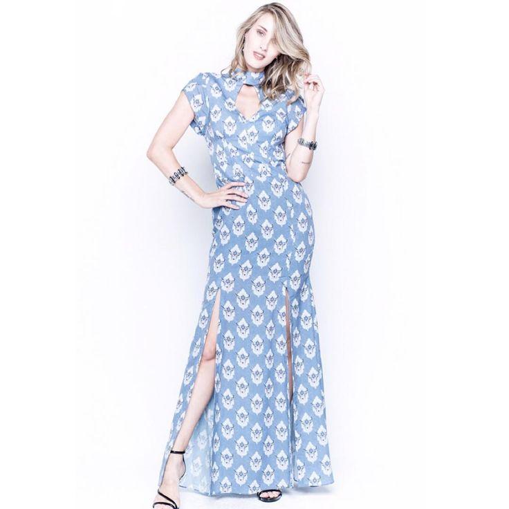 Essa semana promete muitas novidades nas lojas, como esse vestido longo, que todo que viu a nossa Campanha de Inverno, morreu de amores  #inverno2016 #amopoema