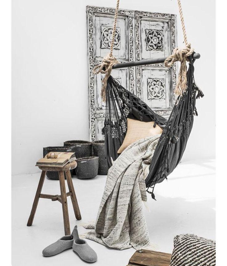 På jakt efter någon slags hängmatta eller hängstol som jag kan ha på altan i sommar Bild från @p_i_n_t_e_r_e_s_t Sparad från http://ift.tt/1nOZ7tV #indoorhammock #hängmatta #hängstol #tipsamig by inreda.mer