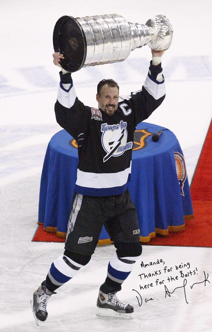 Score a FREE personalized digital autograph from #StanleyCup-winning #Lightning captain #DaveAndreychuk, thanks to our partner #FloridaBlue!   #TBLightning #Facebook   #Bolts #NHL #hockey