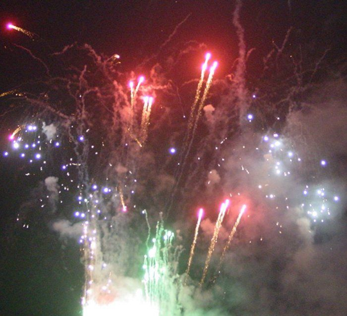 Possibly the biggest and best fireworks display on the south coast. Brighton Lions give more bang for your bucks! Bonfire Night, 5th November 2016, at Brighton Racecourse.  Gates will be opened at 6.00pm and the display is scheduled to start at 7.30.  Admission prices will be £10 for adults, £5 for children under 16 and free for the under-5s.  A family ticket for two adults and two children will cost £25. Refreshments will be available, including a licensed bar, and there is plenty of free…