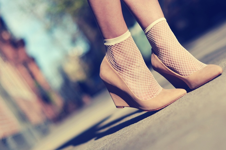 Laura of ontheracks.com wearing HUE fishnet ankle socks - LOVE!